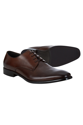 Brown day shoe